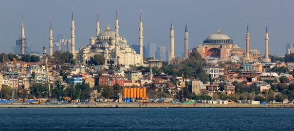 Istanbul By Julian Nitzsche (Own work) [CC BY-SA 4.0 (https://creativecommons.org/licenses/by-sa/4.0)], via Wikimedia Commons